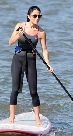 Bethenny Frankel paddleboards to remain fit