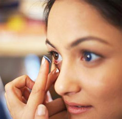 Contact lens wearers get more eye infections : A Study