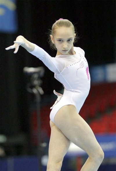 Viktoria Komova - Top 10 2013 Most Flexible Women's Gymnasts Inspiring Life Stories